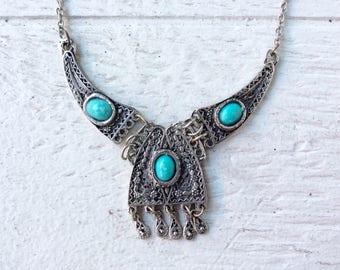 70s silver fringe necklace / vintage turqoise boho necklace / indian necklace / large pendant necklace / bib necklace