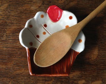 Spoon Rest Stoneware clay CHOCOLATE CUPCAKE
