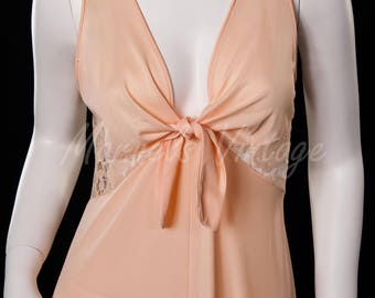 Glydons of Hollywood  Vintage Long Sweeping Nightgown Negligee' Peach Size Medium