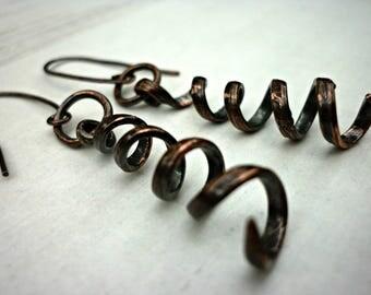 Rustic copper earrings, copper drop earrings, copper dangle earrings, steampunk earrings, steampunk gift, Welsh jewellery, hammered earrings