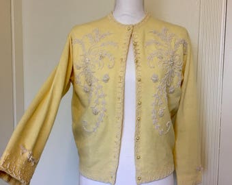 Lovely 50s yellow and white beaded cardigan - medium/large