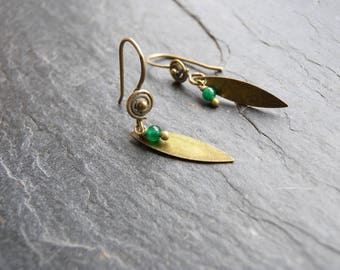 Short earrings bronze and green navette and agate
