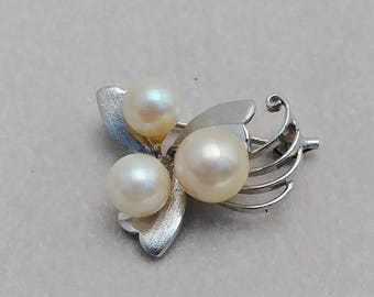 Vintage Sterling Silver Brooch with pearls Pin