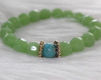Boho Beaded Bracelet: Green Beads with Earth Bead