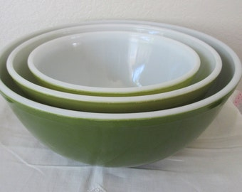Vintage  3 Piece Set  Pyrex  GREEN , VERDE Nesting/ Mixing Bowls  402, 403, & 404
