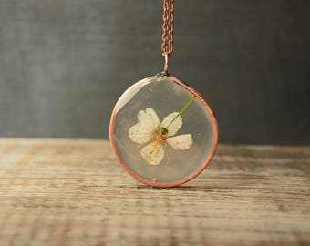 white preserved flower necklace, gifts for her, flower girl necklace, resin terrarium necklace real flower pendant boho dried flower jewelry