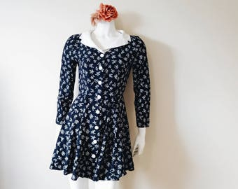 Vintage 90s dress | vintage 90s dainty floral long sleeve skater dress with collar le chateau made in canada