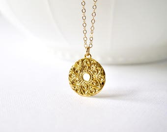 Gold Round Flower Medallion Necklace, Gold Coin Medallion Necklace, Silver Flower Necklace, Wedding Jewelry, Modern, Dainty, Everyday