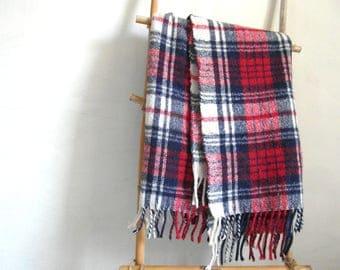 Vintage tartan blanket, highlands throw, fringed, stadium blanket, Scottish gifts, baby blanket, tartan plaid, tartan decor.
