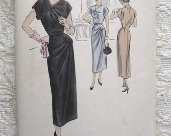 "Vintage 50s Dress Diagonal Pleats Kimono Sleeve Vogue Sewing Pattern S-4982 Size 16 Bust 34"""