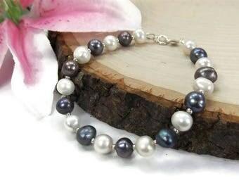 Black and White Beaded Pearl Bracelet - Freshwater Pearl Bridal Bracelet - Simple Pearl Bracelet - Black Freshwater Pearl Bracelet