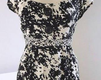 Tunic Top, Cream Black Top, Cap Sleeve Top, Empire Waist, Gathered Front Blouse, Side Zipper -Size XL- UK 18 EUR 46- Summer Sale !