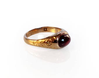 Antique 14k Gold Ring Garnet Cabochon Etched Victorian Size 5.25