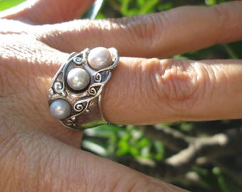 Ornate Baroque Pearl and Sterling Silver Band Ring Size 7.25