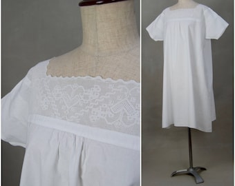 Vintage Chemise, Victorian / Edwardian white cotton chemise, Loose fit shift / smock, lace trimmed undergarment, alternative nightwear