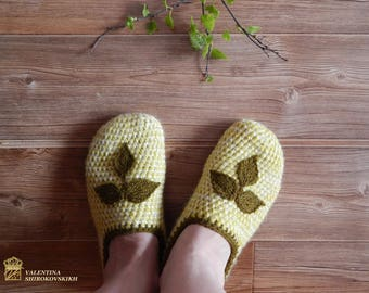 Knitted female ballet shoes - knit slippers - crochet slippers for ladies - granny square - Women's slippers - Handmade House Shoes
