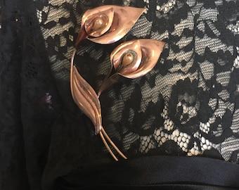 Vintage 1940s Big Deco Calla Lillies brooch pin