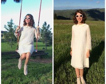 Lace Dress / 1960s Short Wedding Dress / Boho Peter Pan Collar Mod Vintage Long Sleeve 60s Shift A-Line Small Medium Dress