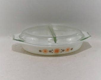 Vintage Pyrex Town and Country Oval Divided Casserole Dish With Lid, 1-1/2 Quart