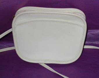 Vintage Coach Beige/Ivory  Leather Hadley  Shoulder Cross Body Bag 9935.