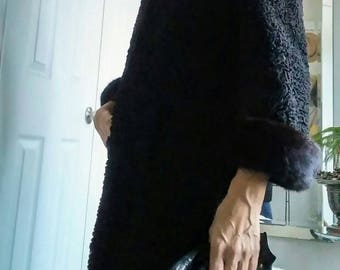 Vintage Black Persian Lamb Fur Coat Mink Fur Trims - Ladies Small -Fashion Retro 50s 60's Winter Coat - Glam Evening Holiday Wedding Outwear