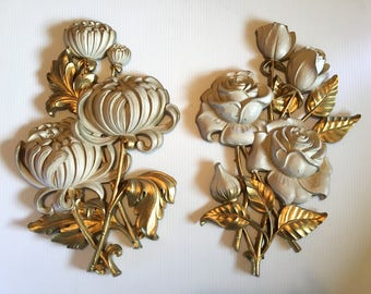 Pair of 1972 Syroco chrysanthemums and roses gold and antique white wall plaques number 4460