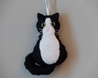 Tuxedo Cat Ornament with Big Green Cat Eyes Long Hair Black White Cat Felt Ornament Plush Felt Kitten Cat Lover Gift Felt Animal Ornament