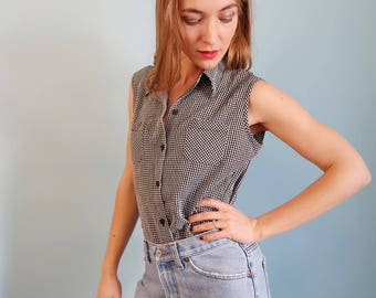 90s Black and White Gingham Button Up Tank/Sleeveless Blouse