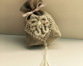 Vintage linen and crochet pouch vintage style