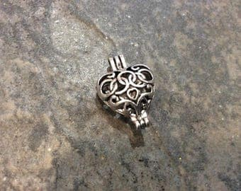 Heart shape silver Filigree Diffuser locket pendant charms Opens and Closes beautiful quality