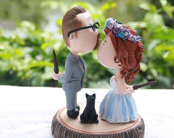 Couple kissing - Harry Potter fans. Rustic wedding Themed Wedding. Wedding cake topper. Handmade. Fully customizable. Unique keepsake