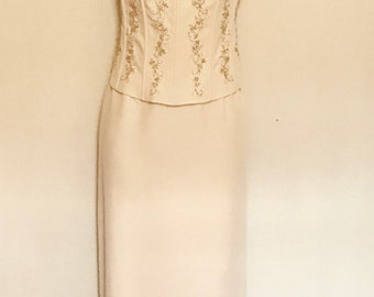 90s Beige Corseted and Beaded Evening Gown    VG350