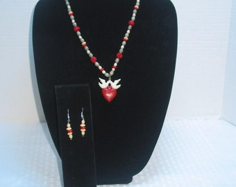 Wooden beaded Heart Necklace and Earrings