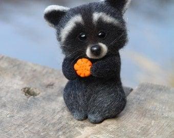 SALE  Needle Felted Raccoon Felt Raccoon Sculpture Felt Toys miniature raccoon toy raccoon gift for her Raccoon,  valentines day, present