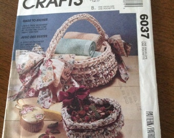 "McCall's ""Rags to Riches"" crochet baskets, crochet boxes, crochet placemat, crochet chair pads, crochet rug, stash reducer crochet,"