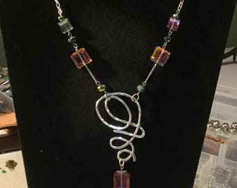 MOODY MAUVE BEJEWELED necklace