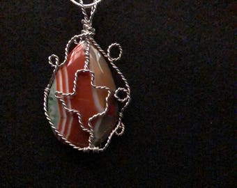 Texas Design Agate Pendant with Silver-plated wire and 925 Sterling Silver-filled chain.  A 44