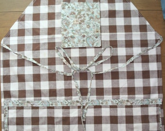Checked Apron with Pockets
