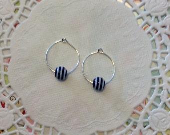 Hoop Earrings / Navy and white Bead