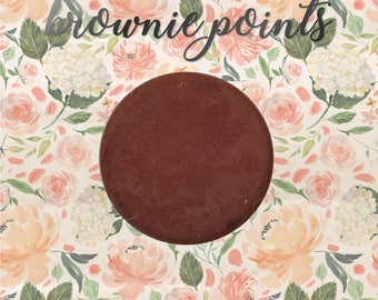 Brownie Points, 26 mm single pan eyeshadow, medium rich red-brown matte