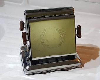 1930's Era Dominion Electrical MFG Antique Chrome Toaster - Style 1104, Art Deco Kitchen Appliance, Prop
