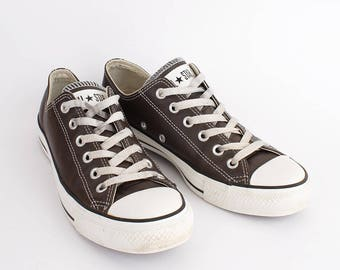 EU 39 - Brown leather Converse All Star canvas shoes - low top Chuckies size uk 6 / US men 6 + womens 8 - chuck taylor allstars sneakers