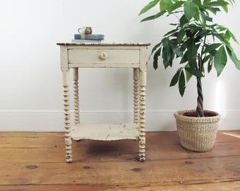 end table,side table,hall table,primitive end table, nightstand,primitive antiques,farmhouse antiques,rustic primitive,cottage decor