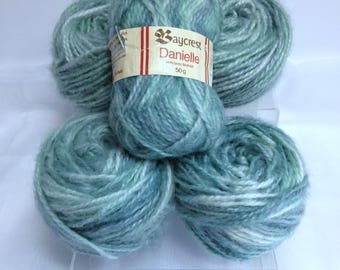 Baycrest Danielle Mohair Yarn Bundle, Vintage Hudson Bay Company Wool Blend Yarn Variegated Chunky Yarn for Hand Knitting & Crocheting