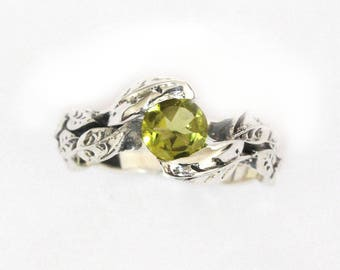 Peridot Ring, Leaf Peridot Ring, Sterling Silver Ring, August Birthstone Ring, Forest Leaves Ring, Silver Friendship Ring Nature Silver Ring