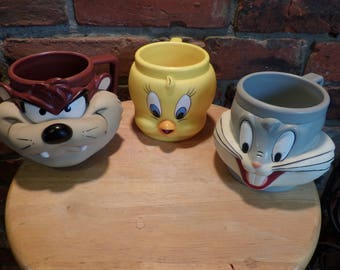Vintage Looney Tunes 3D cups, Collectible Looney Tunes, 1992 Looney Tunes cups, Warner Brothers Looney Tunes Tweety Taz and Bugs