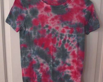 Pink and green tie dye pocket tee womens