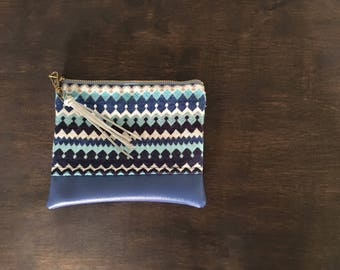 Royal blues geometric clutch