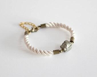 Gemstone bracelet/Rope bracelet/Boho bracelet/White braided bracelet/Pyrite bracelet/Friendship gift/Gift fot her/Valentines gift