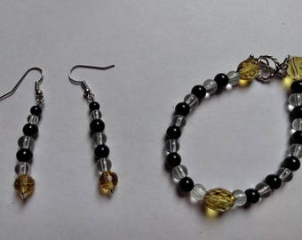 Toffee, black and white glass beaded bracelet and earring set